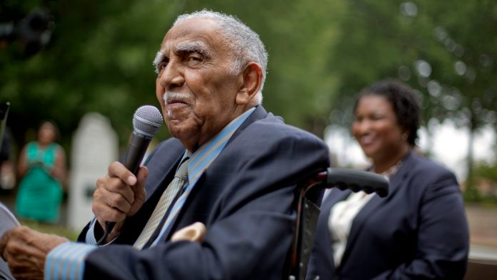 Civil rights leader and Huntsville native, MLK aide Joseph Lowery dies at 98
