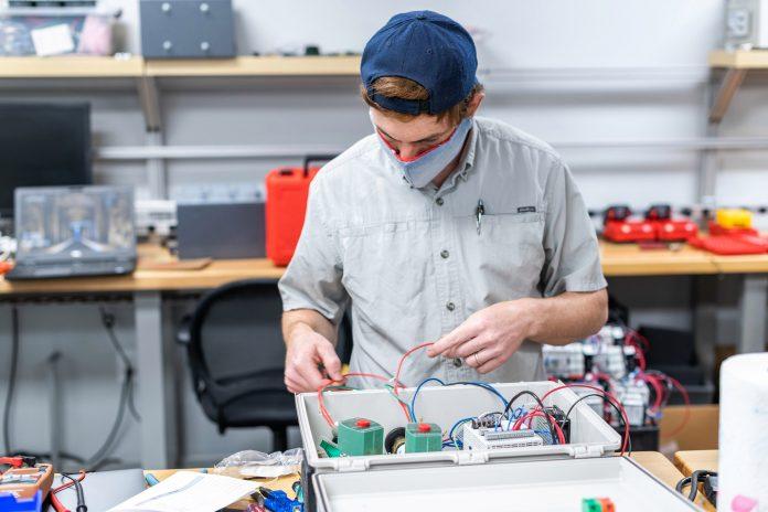 Auburn University partners with Huntsville-based IS4S to produce emergency ventilators