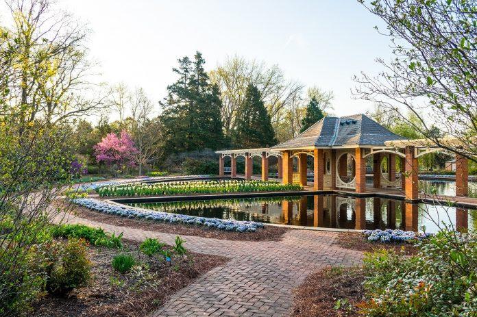 Virtual Vacation: Travel to Huntsville, AL