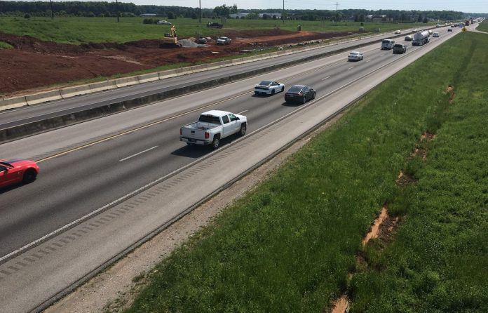 I-565 widening near Huntsville aims for late 2021 completion