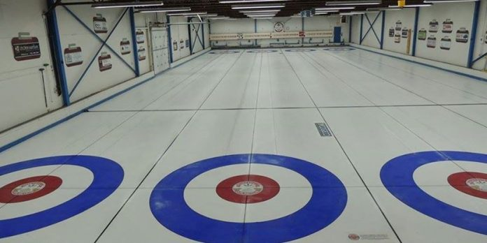 Huntsville Curling Club trades in rocks for cards in COVID-19 crisis