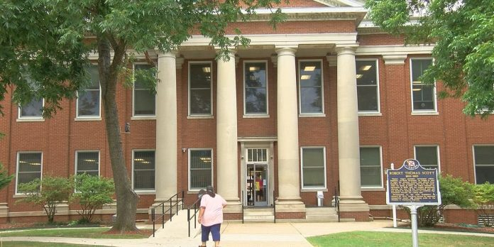 North Alabama courthouses, public offices starting to reopen