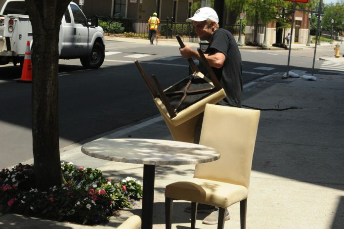 Sidewalk dining? Alabama cities grapple with social distancing for restaurants