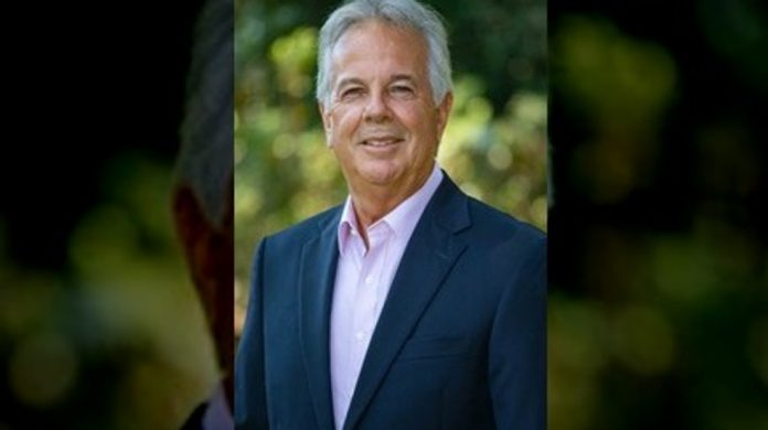 Former Fortune 100 businessman joins Fairhope Mayoral race