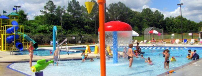 Rocket City Mom Promises a Creek Stomping, Splashpad, Bucket List Good Time This Summer