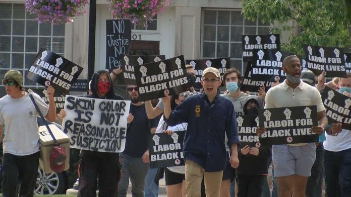 Huntsville labor union organizes protest and says it's time for a conversation
