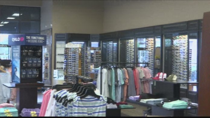 Local retailers & restaurant staff say mask mandate is impacting business