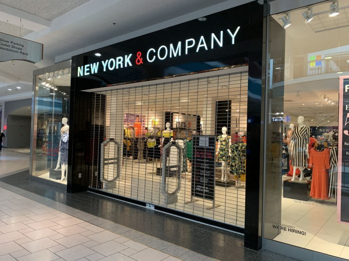 New York & Company files for bankruptcy, closing stores, 40 percent off select items site-wide