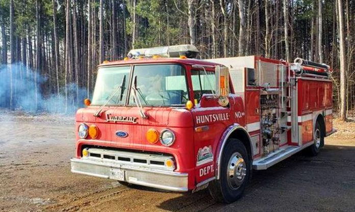 Huntsville donates 1989 pumper truck to Firefighters Without Borders Canada