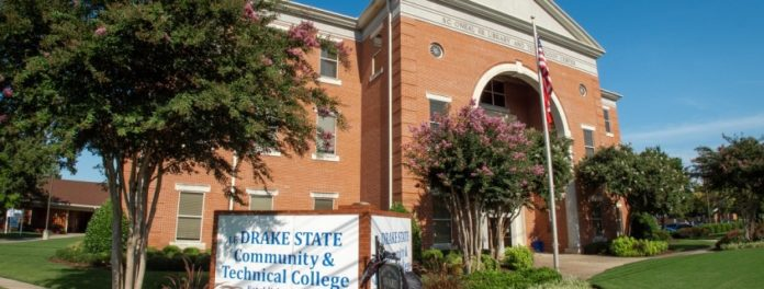 Drake State a Community Center for Coding and Creativity in Collaboration with Apple, Tennessee State
