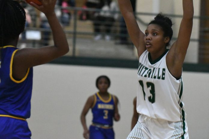 Huntsville holds off Jacksonville in pivotal District 16-5A matchup