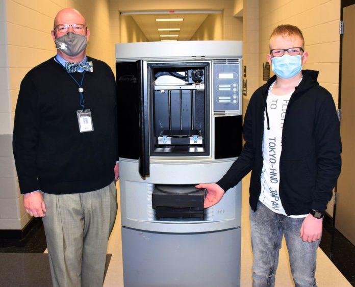 Freshman Caleb Wortham donates 3D printer to James Clemens