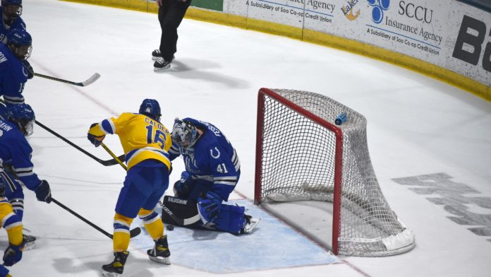 Lakers sweep Chargers, extend win streak to five