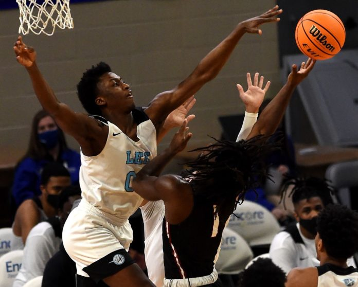 Class 5A boys: Lee-Huntsville crushes Sylacauga, 67-25, to make seventh title game