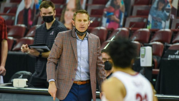 The story behind Nate Oats' tailored sport coats