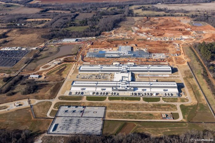 Facebook plans expansion to Huntsville data center project; Price could now top $1 billion