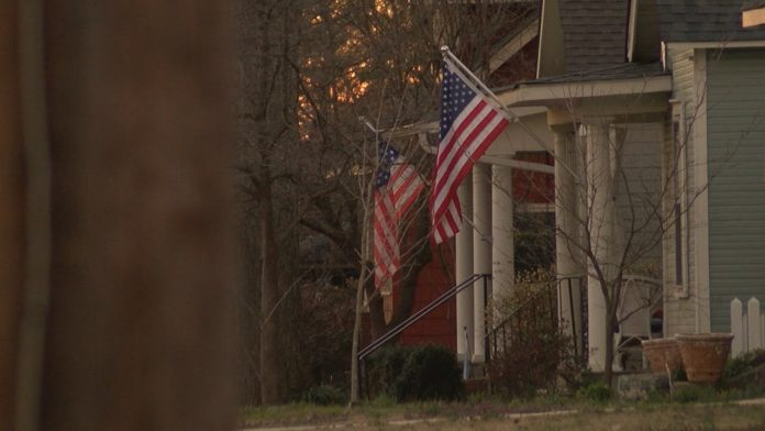 Huntsville mortgage company says refinancing home now could save you hundreds
