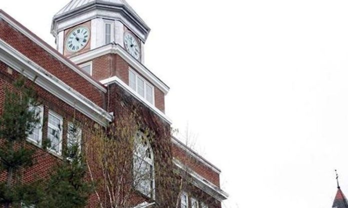 COVID-19 grey-lockdown closes Huntsville town hall to public in March 2021